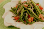 Green Beans with Onion and Tomato